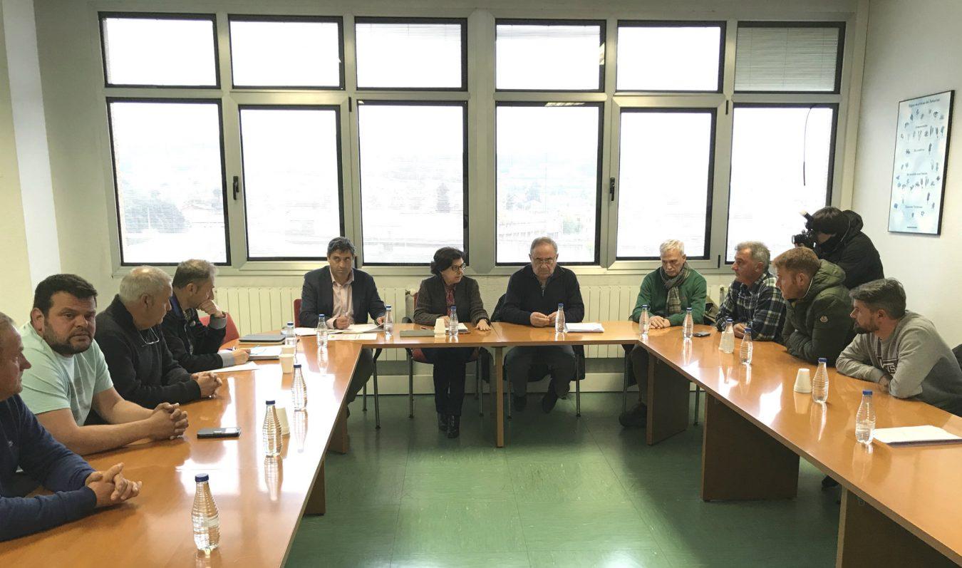 Las cofradías asturianas suspenden su dimisión para negociar la cuota de la xarda