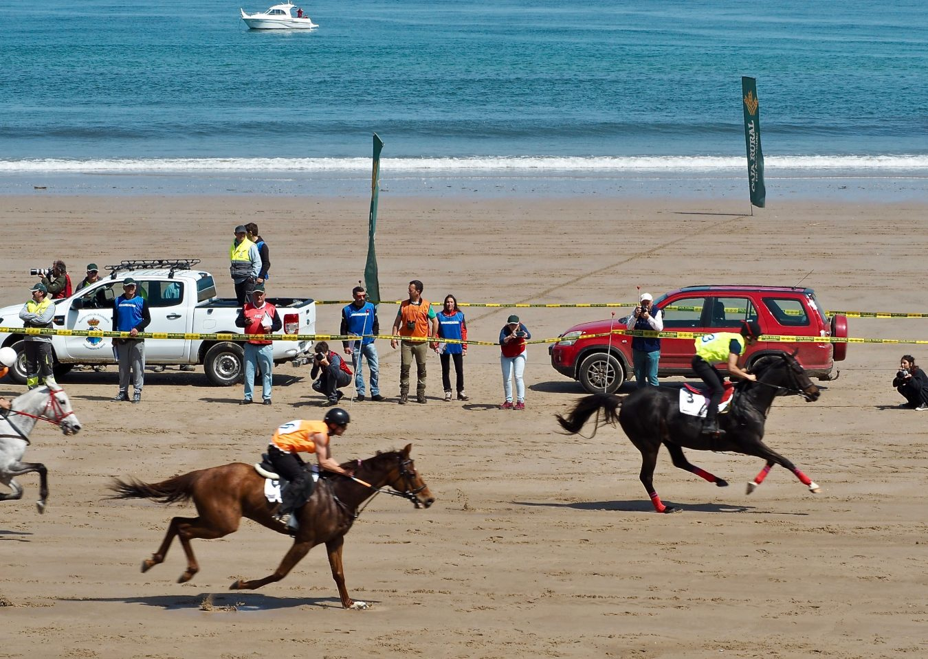 Doblete de Spanish Cat en unas accidentadas Carreras de Caballos Playa de Ribadesella