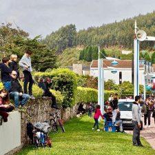 Cualquier sitio es bueno para ver las Carreras de Caballos Playa de Ribadesella