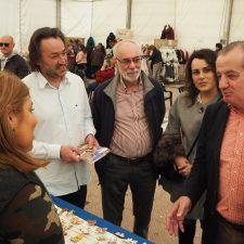 Nicanor García promete en Ribadesella tarifa plana de 30 euros para los emprendedores en la España rural