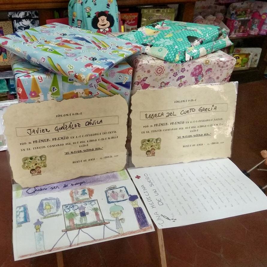 Rebeca del Cueto y Javier González ganan los Concursos del Día del Libro de Onís
