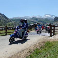 La I Vuelta a Asturias en Vespa recorrerá la comarca el 28 de abril