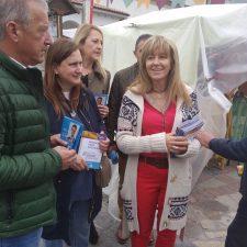 Desembarco político en el IX Mercaliarte de Colunga