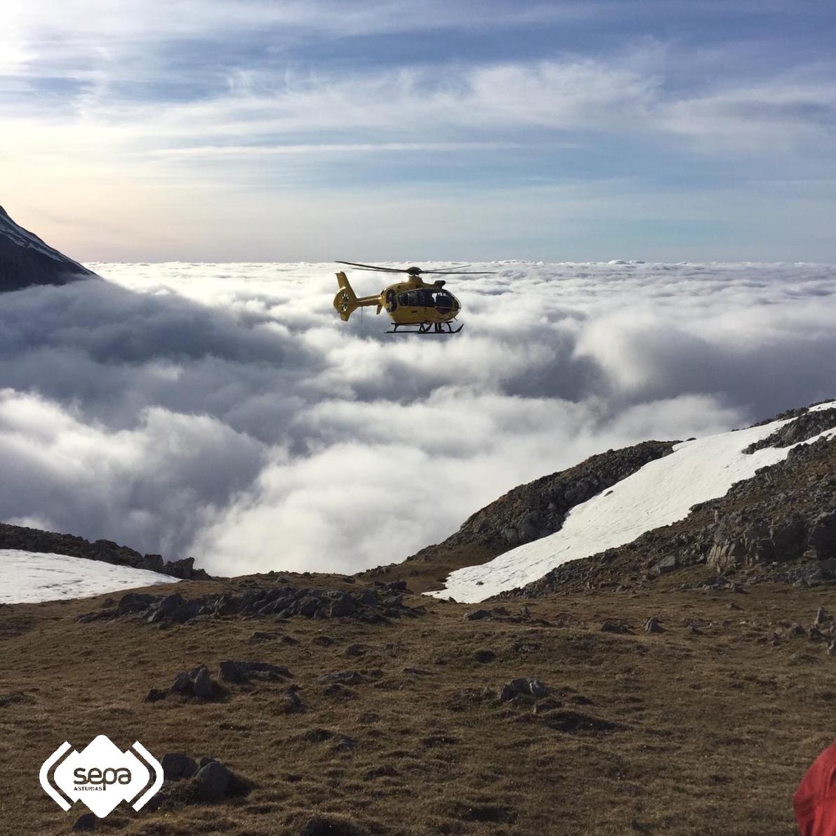 Rescatados seis excursionistas desorientados por la niebla en Peña Castil (Cabrales)