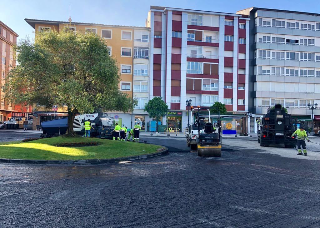 La glorieta del olivo de Ribadesella queda abierta al tráfico
