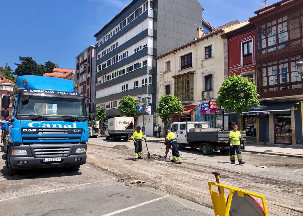 Pueblu critica las prisas y la demagogia de las obras de última hora en Ribadesella