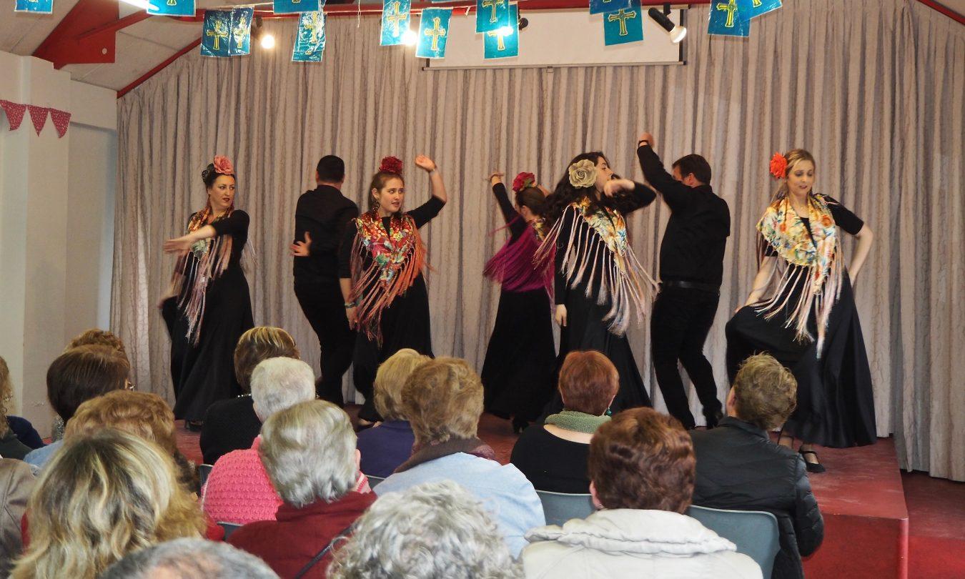 Ribadesella clausura un nuevo curso de bailes de salón y sevillanas