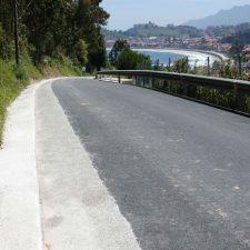 La carretera del Faro de Ribadesella se queda fuera del inventario de vías y caminos municipales