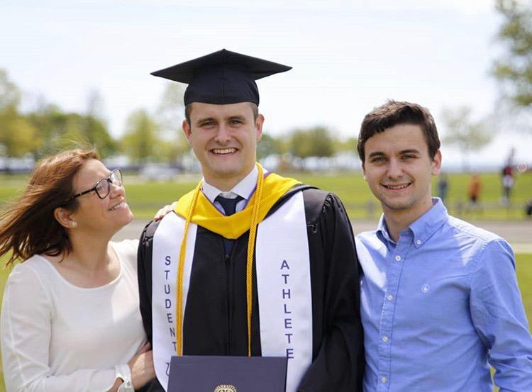 Un riosellano se gradúa en Ingeniería Informática por la Universidad de Bridgeport (EEUU)