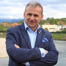 El alcalde de Parres niega que se esté limitando la información a la oposición como denuncia Cs