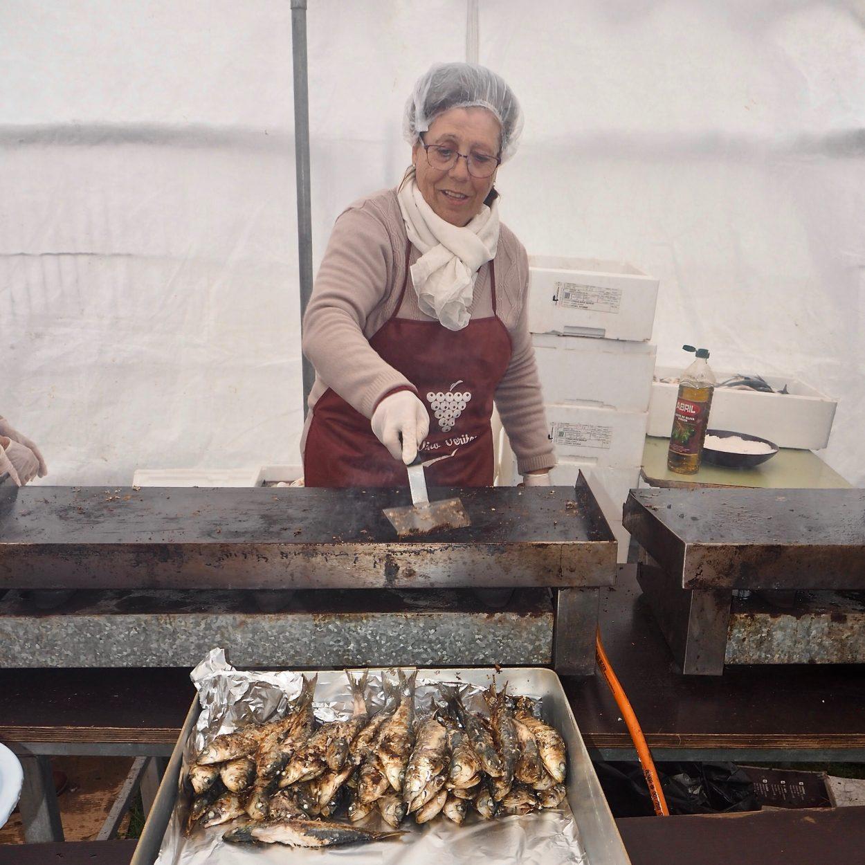 150 kilos de sardinas en el festival de los Mas Grandes de Ribadesella