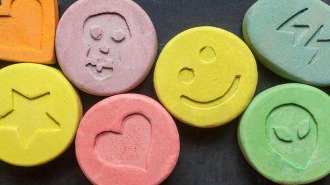 Acepta 20 meses de prisión por vender droga en el festival Aquasella