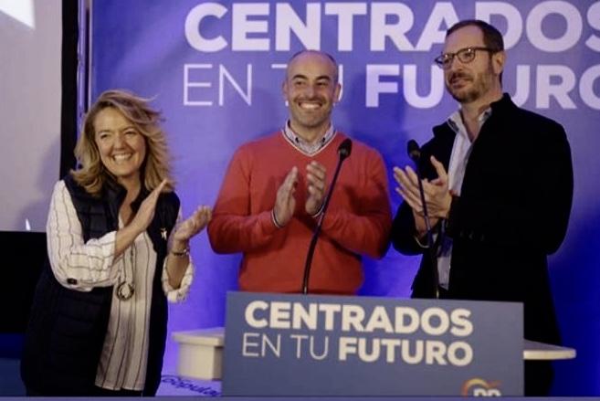 Javier Maroto respalda la candidatura del PP al Ayuntamiento de Ribadesella
