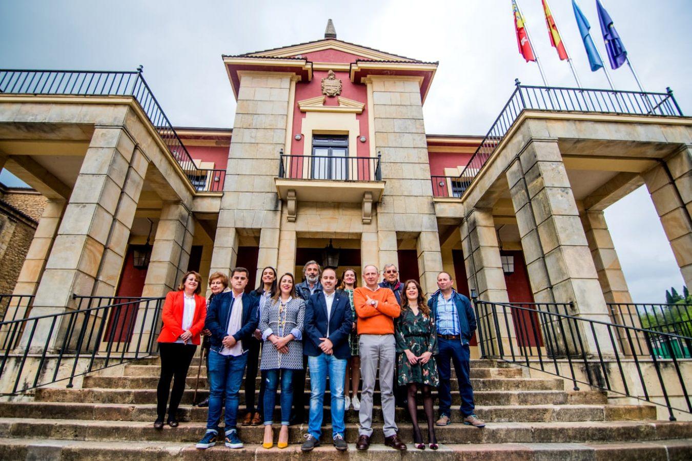 Pablo Onís presenta la candidatura del PP con la que luchará por la alcaldía de Nava