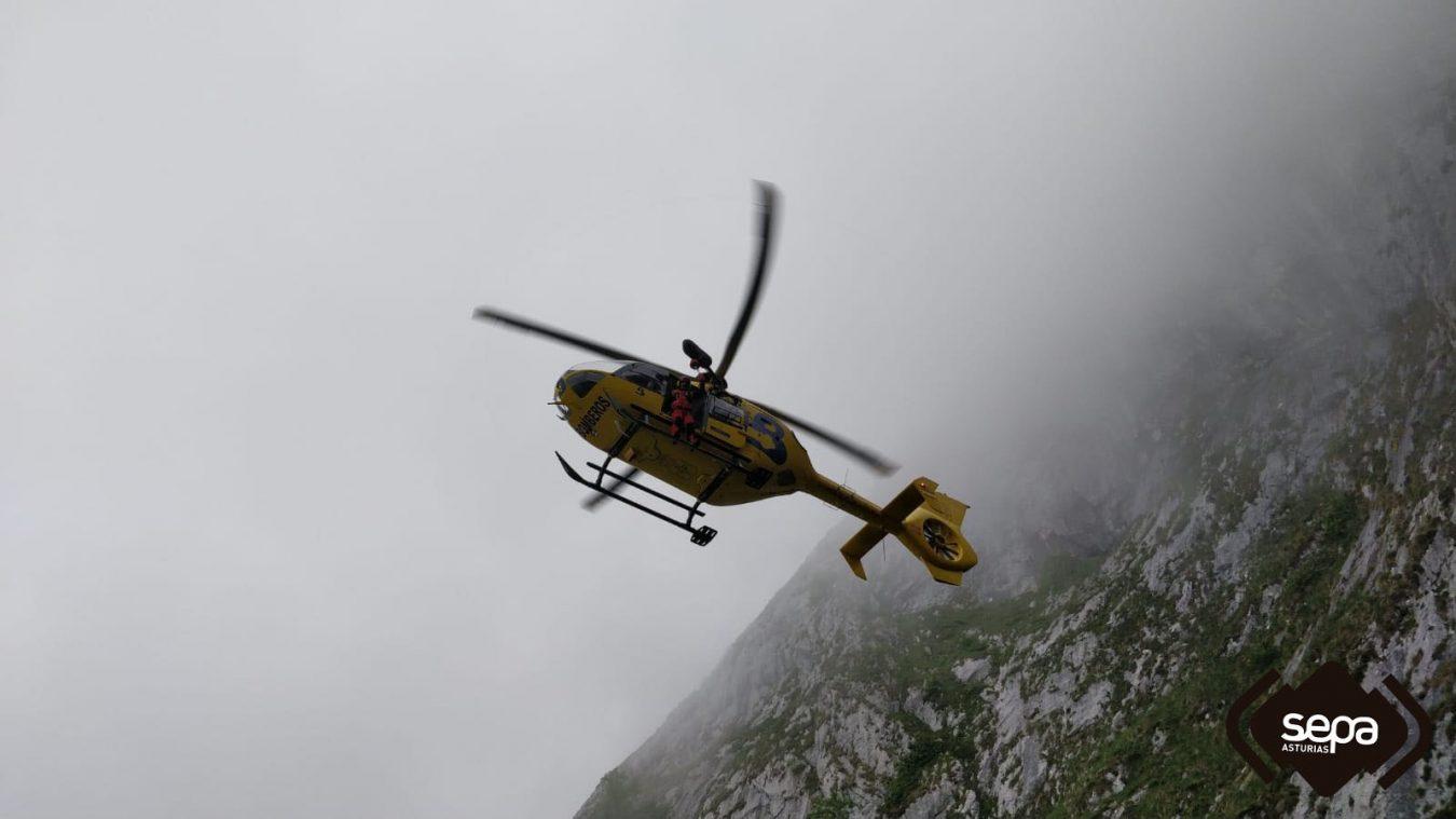 Rescatados tres montañeros despistados en los Picos de Europa