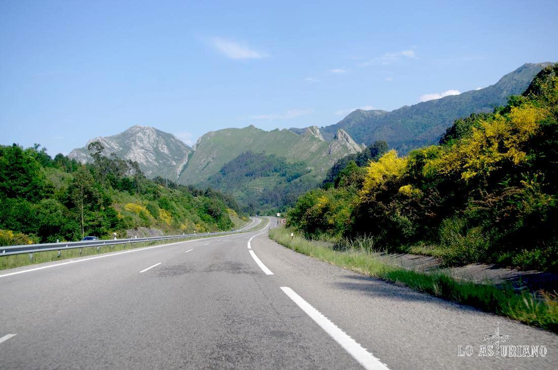 Fomento anuncia cortes puntuales por obras en la A8 a la altura de Ribadesella dirección Santander