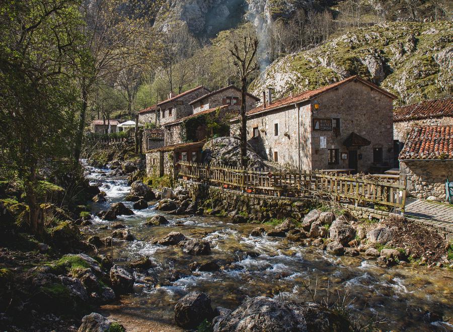 Bulnes, Covadonga y Colombres aspiran a ser Mejor Pueblo de España 2019