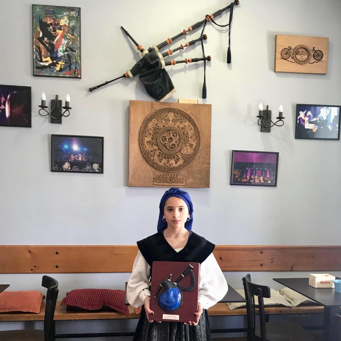 La riosellana Celia Valle competirá el viernes en Colunga por el Premio Gaiteru Lliberdón