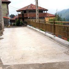 Llanes concluye la reconstrucción de un camino en el pueblo de Riensena