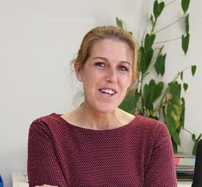 Sandra Cuesta (PSOE) seguirá de alcaldesa en Colunga y Félix Fernández (Foro) en Amieva
