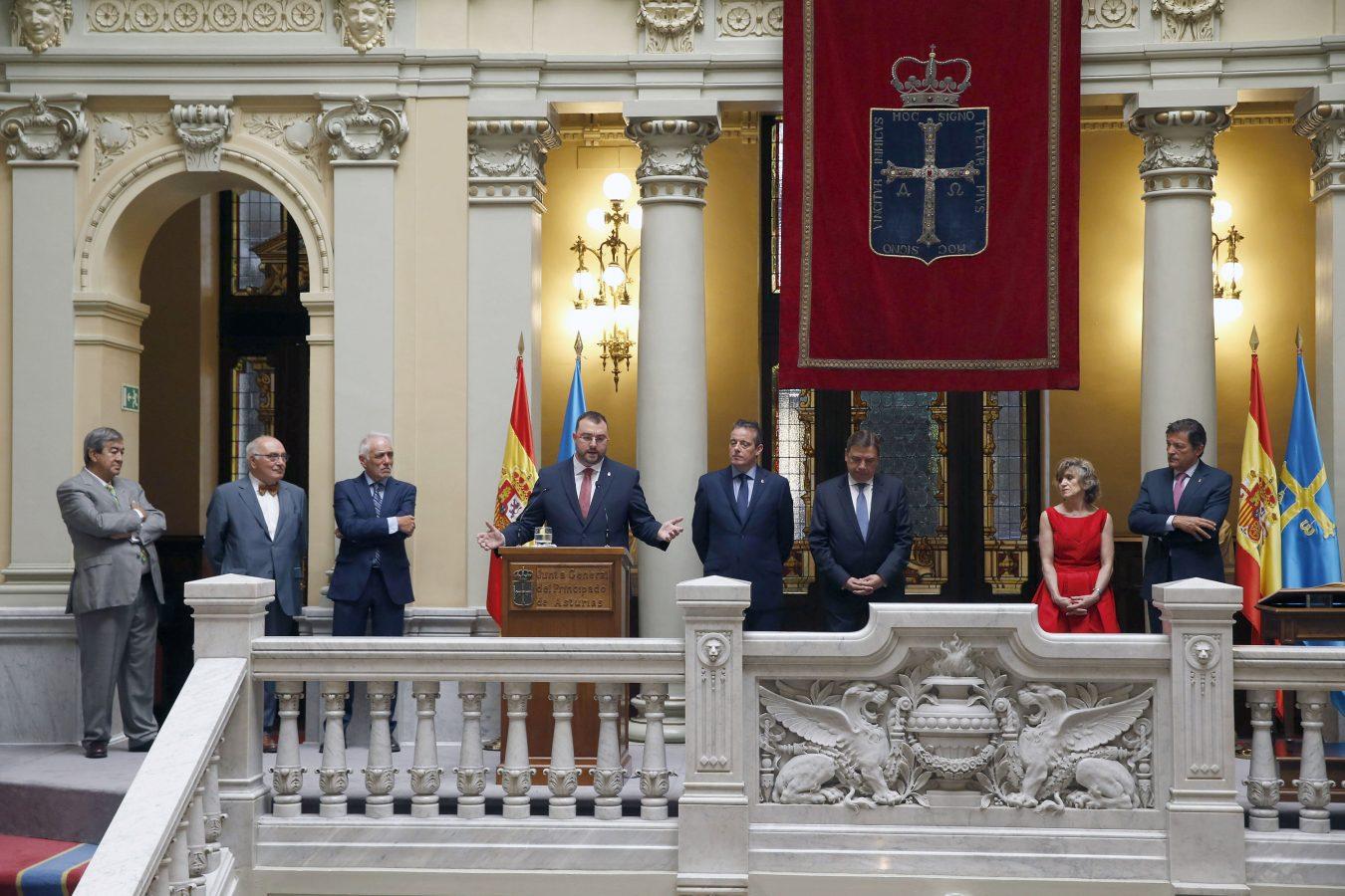 Adrián Barbón se convierte en el noveno Presidente del Principado. Mañana dará a conocer su Gobierno