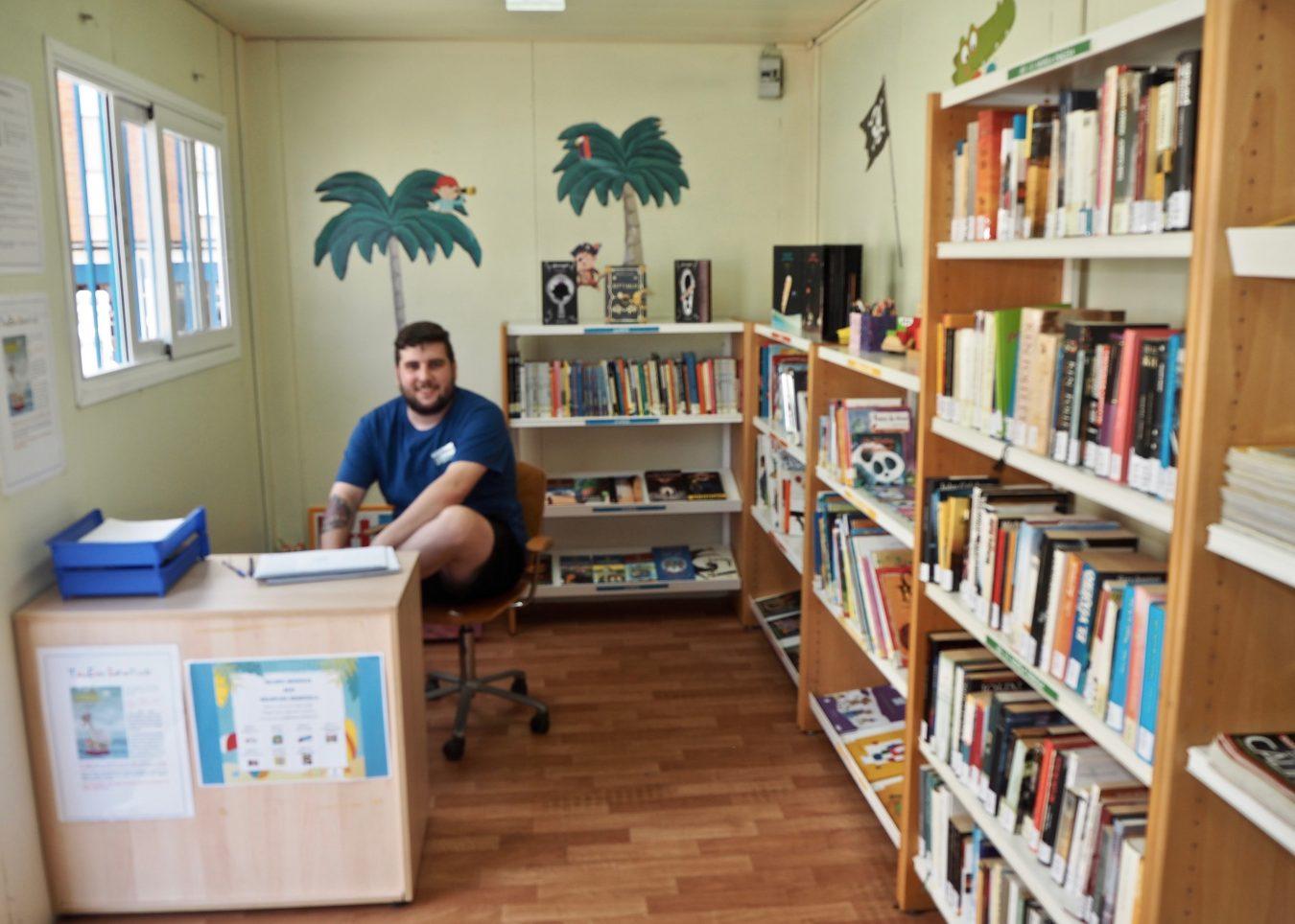 La Biblioplaya de Ribadesella abre sus puertas al verano