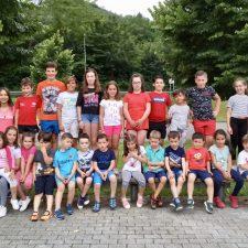 El Campamento de Verano de Onís comienza con 75 niños inscritos
