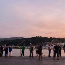 A la caza de puestas de sol en la villa de Ribadesella, una práctica turística en alza