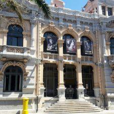 Este jueves, con un encuentro entre Carmen Casal y Toño Anca, se inaugura la reforma llevada a cabo en el Casino de Llanes