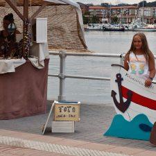 Del photocall marinero en la feria de artesanía a la caza de la mejor puesta de sol en el puerto de Ribadesella