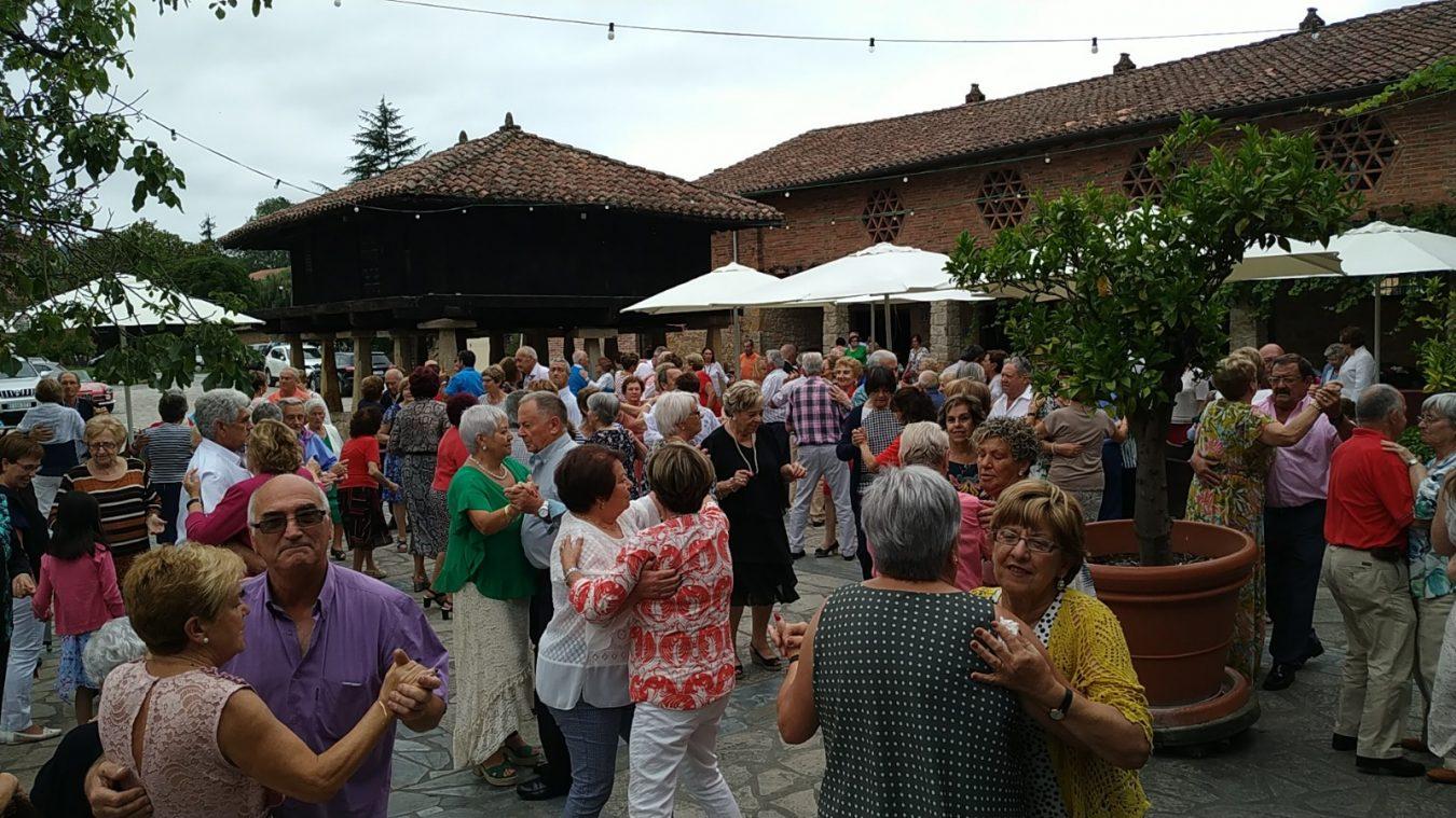 El hogar Bella Vista de Cangas de Onís celebra su tradicional Fiesta del Socio