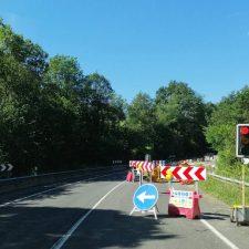 Los usuarios de la N-634 exigen la apertura total de la carretera en Ceceda (Nava)
