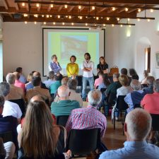 La exposición pública del PGO de Llanes comienza con un acto de presentación