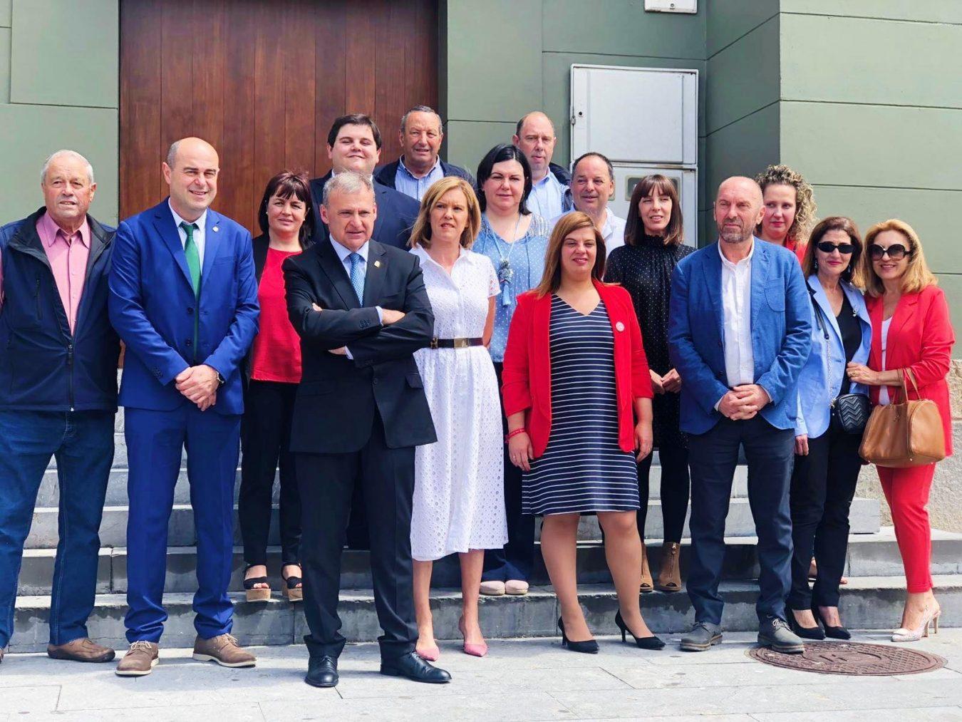 El Ayuntamiento de Parres aumenta el número de concejales liberados y las retribuciones a los altos cargos