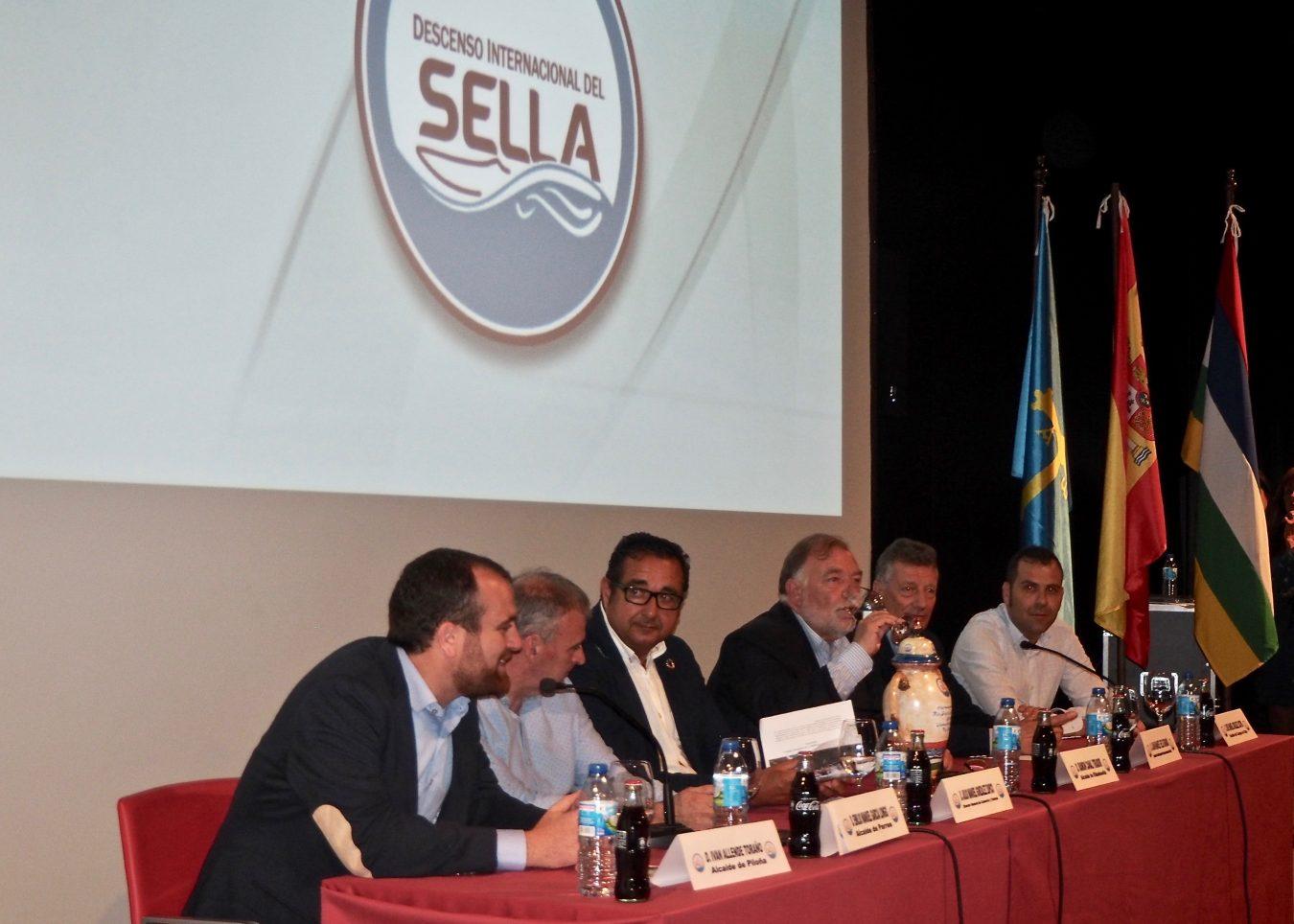 Ribadesella acoge la presentación del Descenso Internacional del Sella mas sidreru
