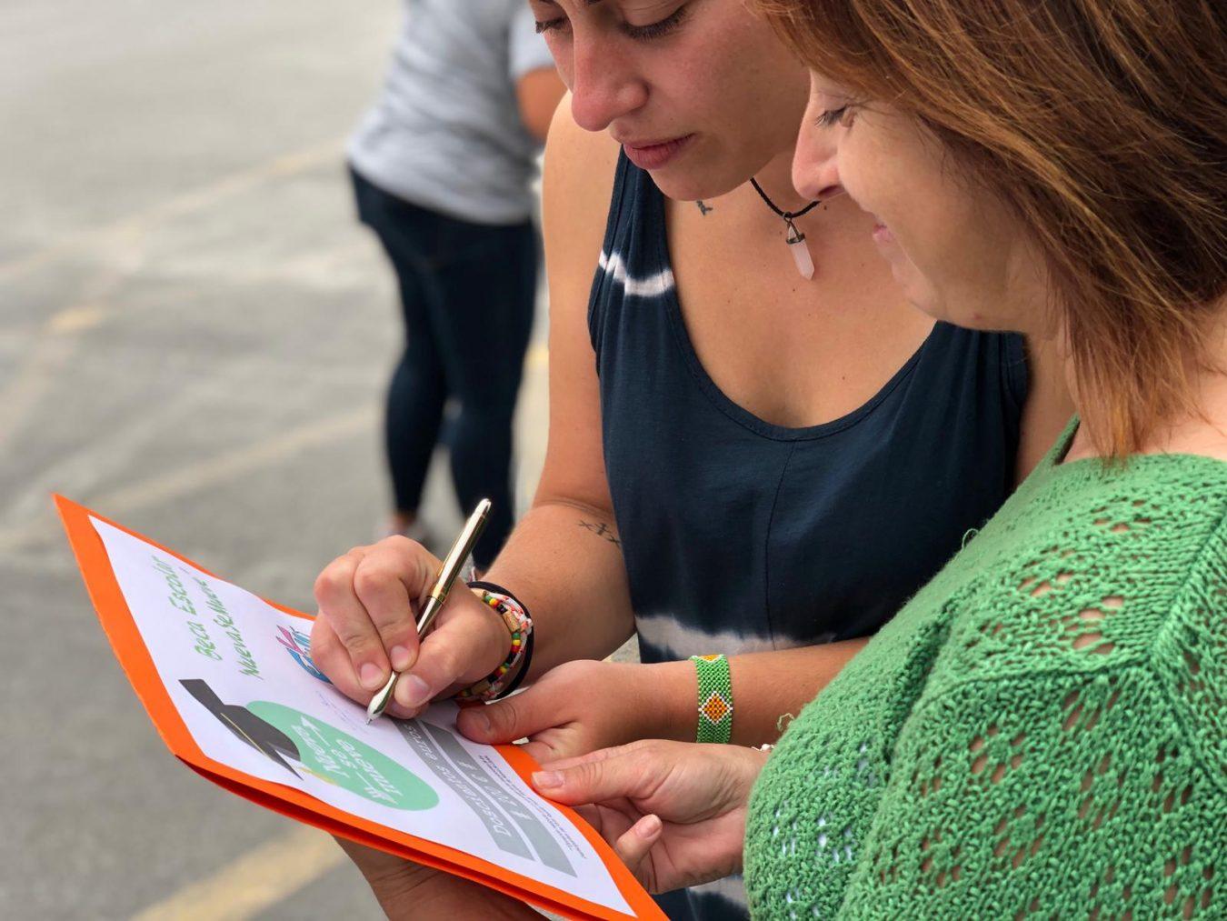 Nueva se Mueve y El Patiu crean una beca escolar de 200 euros