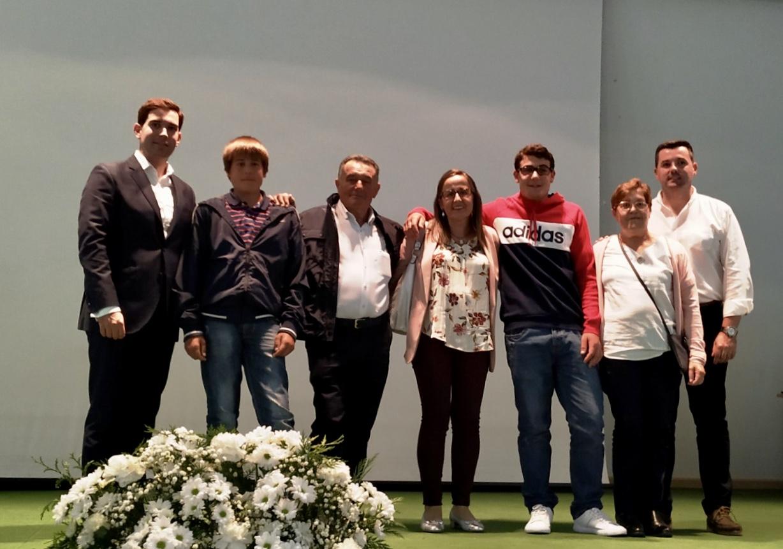 La Comisión del Castru de Onís rinde homenaje a Paco Peláez