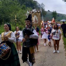 Corao celebra la procesión nocturna de Ntra. Sra. de Abamia