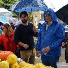 La mejor sidra natural en la Feria del Campo de Posada, la de Francisco Cueto Balmori