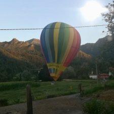 Aterrizaje de emergencia de un globo aerostático en L'Alisal de Ribadesella