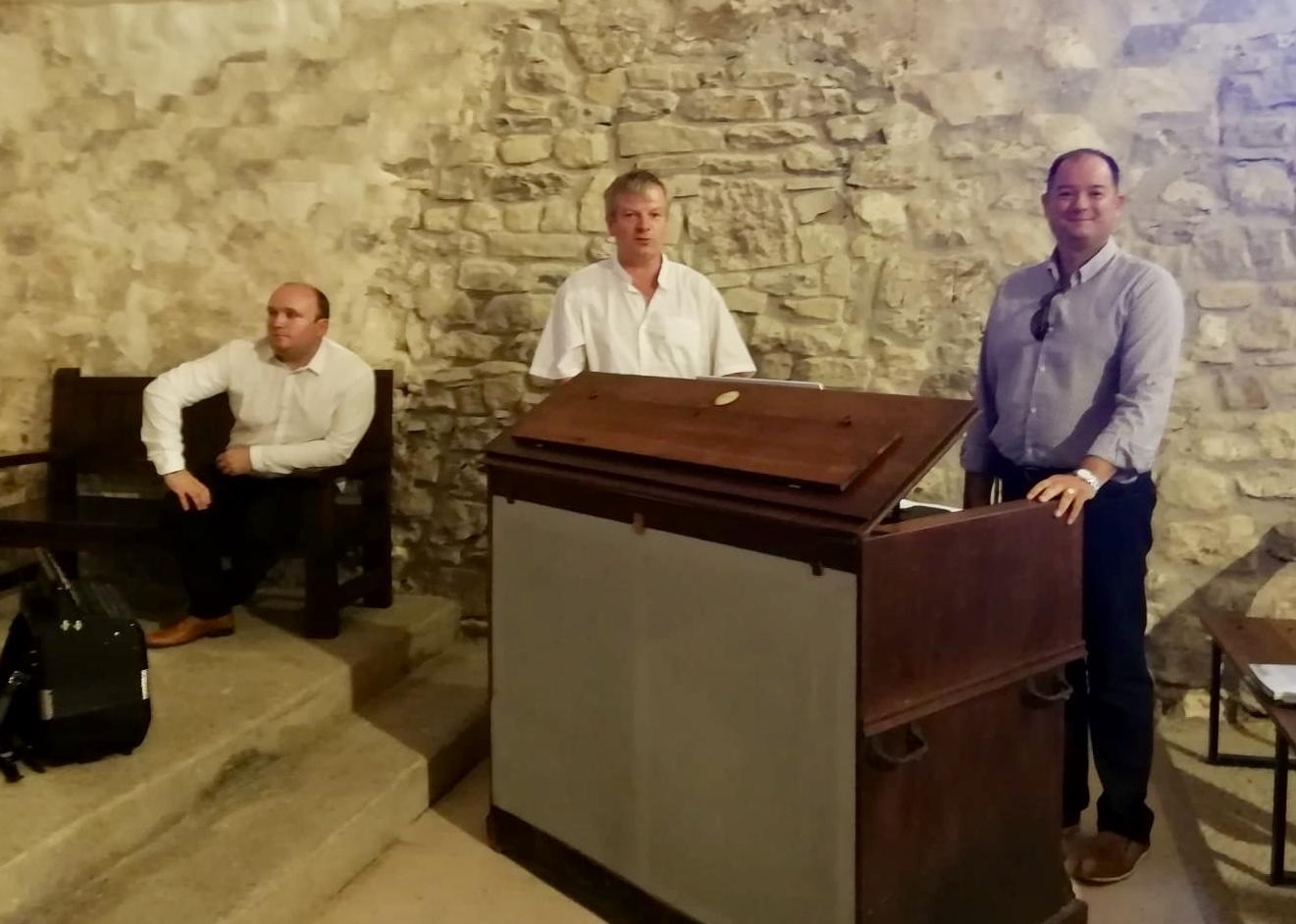 Los Músicos de los Castillos de la Borgogna embriagan a las gentes de Moru