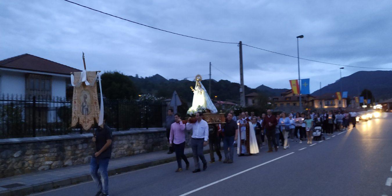 Procesión nocturna de Nuestra Sra. de Castru en Benia de Onís