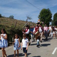 Táranu (Cangas de Onís) vive el día grande de la Fiesta de La Velilla