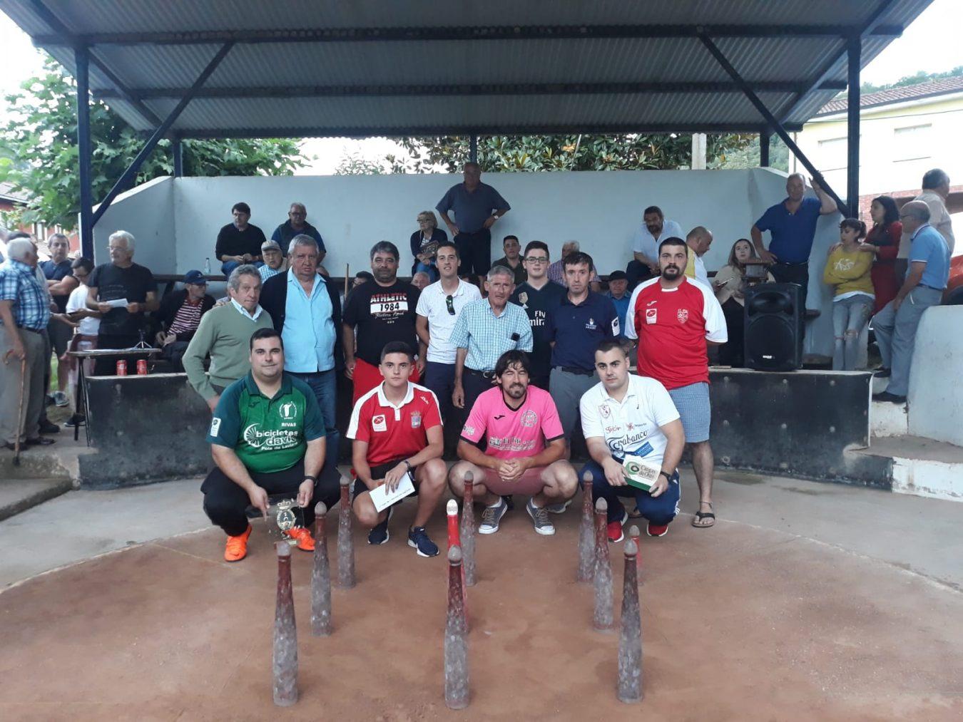 Rivas gana el III Torneo de Bolos Villa de Mestas al vencer en una apretada partida a Sergio