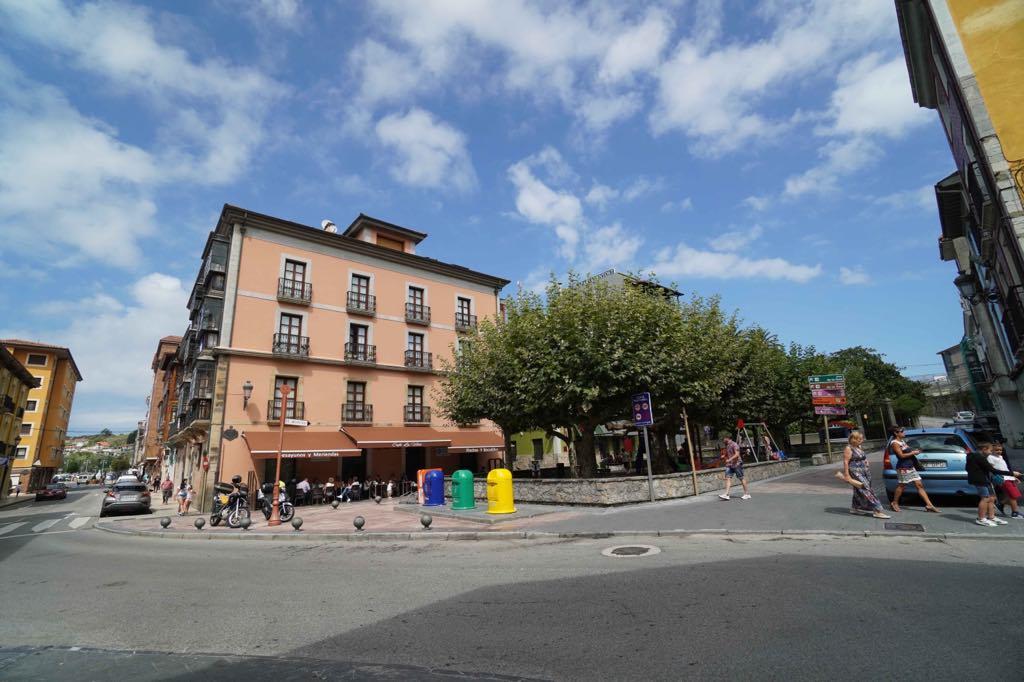 Pueblu pide la mediación de la FEMP para resolver el conflicto de las terrazas abierto en Ribadesella