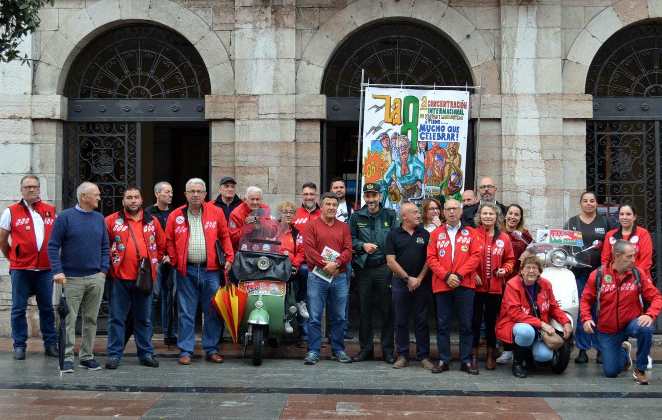 La Concentración de Vespas de Llanes dedica su cartel a la centenaria motera María Teresa Llaca Alvarez