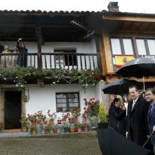 El alcalde de Cabrales recuerda en Asiegu a Manolo Corces promotor de la candidatura del primer Pueblo Ejemplar