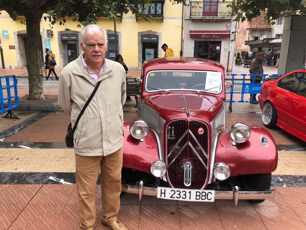 Un Citroën de 70 años que parece nuevo gracias a las manos de José Luís Pineda