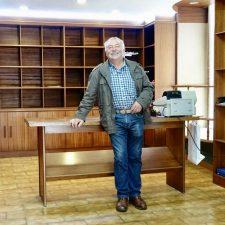 Juan el Sastre pone fin a 50 años de oficio en Ribadesella