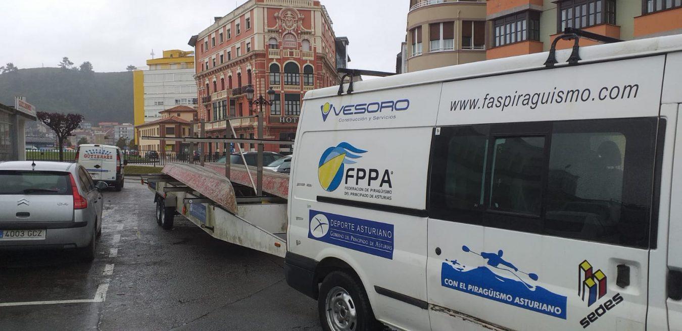 La FPPA recupera para Navia las K4 metálicas que han criado polvo durante quince años en Ribadesella